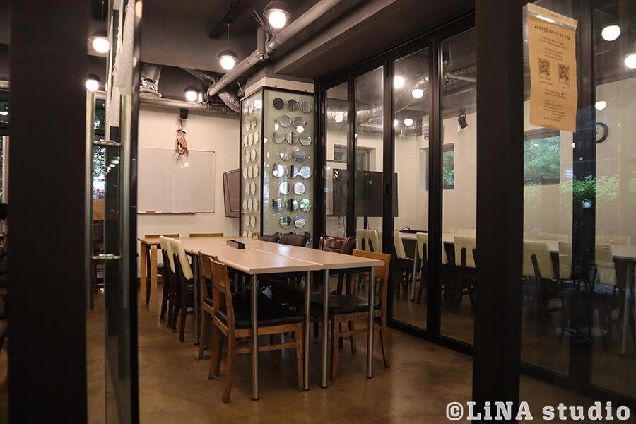 合井ブックカフェ_다산북살롱_会議室
