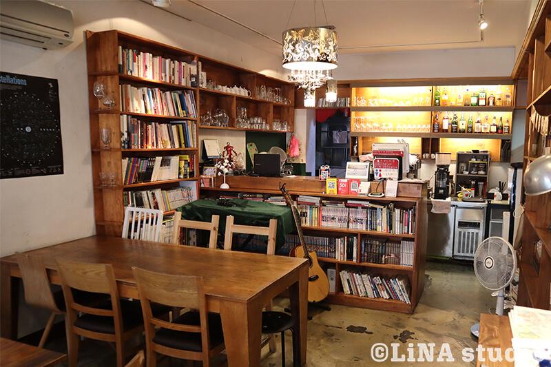 韓国カフェ_Editorial Cafe B_店内座席_02