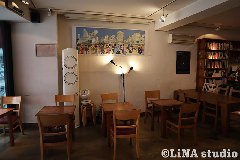 韓国カフェ_Editorial Cafe B_店内座席_05