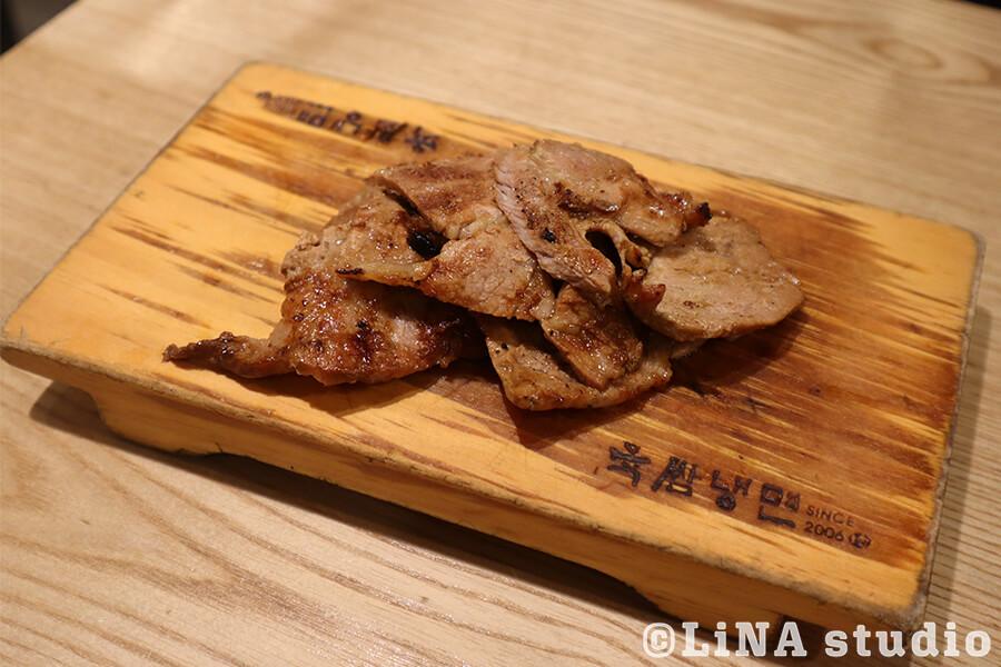 韓国冷麺_육쌈냉면_炭火焼お肉