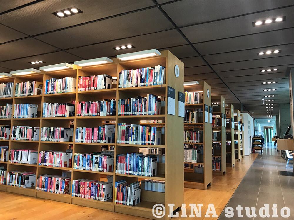 NAVER図書館_2階内観02