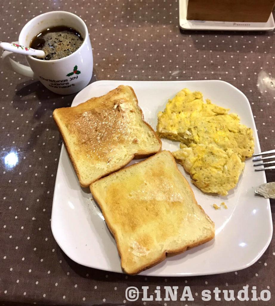 トーストと卵
